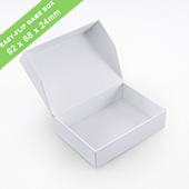 Plain Easy-Flip Game Box 68x92x24mm_landscape_with finger hole